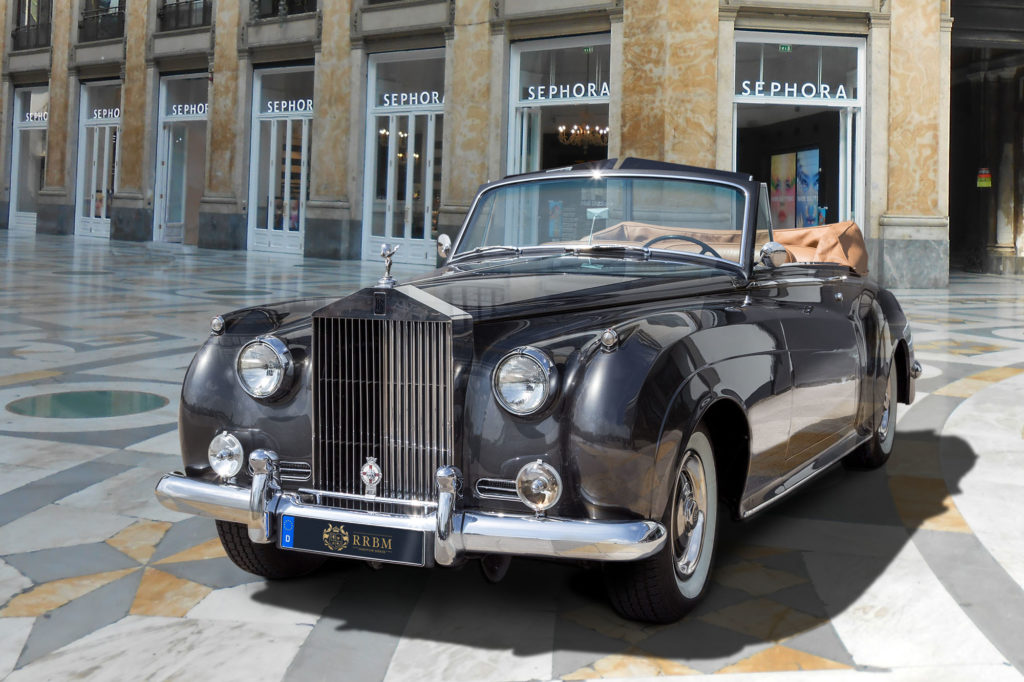 Rolls-Royce Silver_Cloud_a01